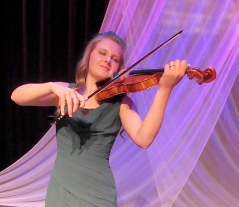 Alysha Black plays Bruch's Violin Concerto in D Minor